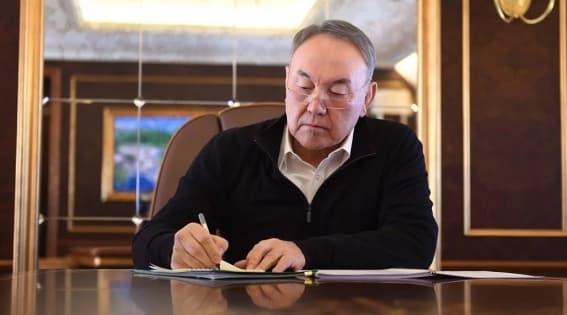 Назарбаев 32 адам ажал құшқан апатқа байланысты әріптесі Атамбаевқа көңіл айтты