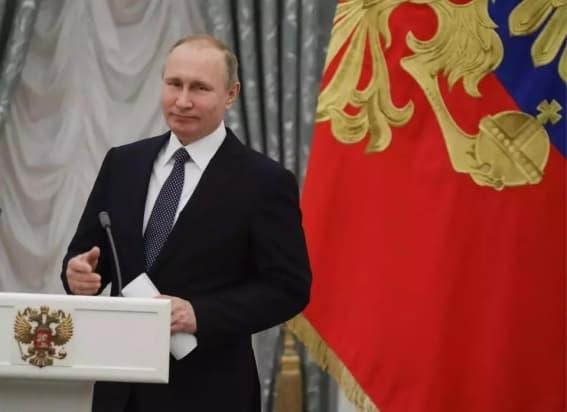 БАҚ: Владимир Путиннің 199 млрд доллары, 58 ұшағы мен 20 сарайы бар