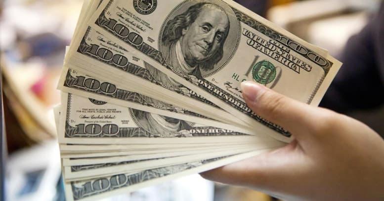 Күзде доллар бағамы 370 теңгеге дейін көтерілуі мүмкін казакша Күзде доллар бағамы 370 теңгеге дейін көтерілуі мүмкін на казахском языке